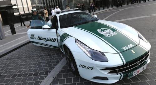 4. Ferrari FF GÇô Dubai Police (UAE)